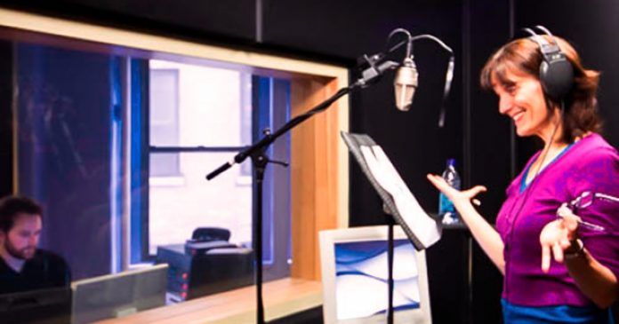 7 OCCASIONS TO HIRE ONLINE VOICE OVER ARTISTS