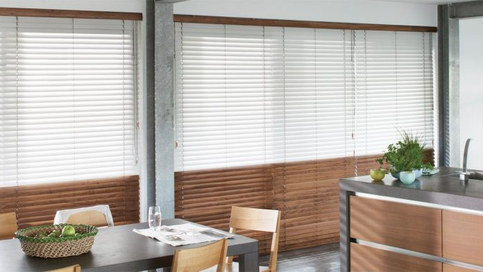 What You Need To Know About Outdoor Blinds