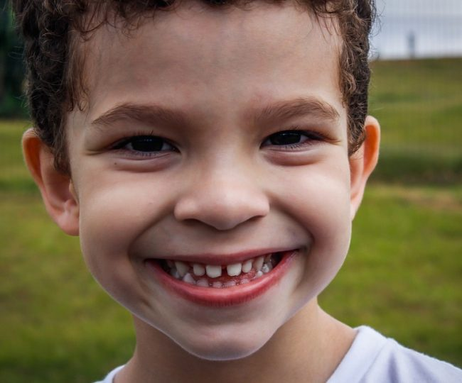 How Do Kids Lose Their First Teeth