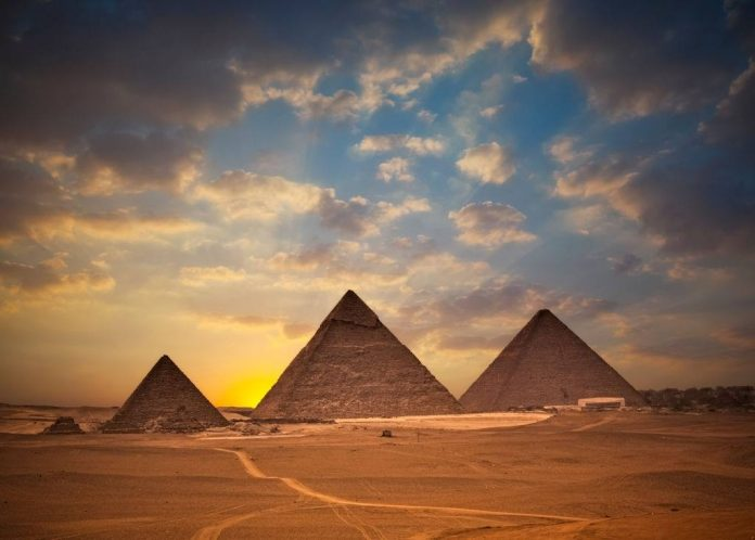 With Portuguese-speaking guides, agency presents packages to Egypt