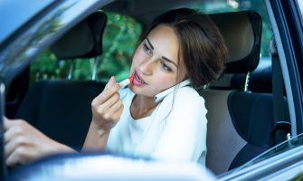 4 Distracted Driving Facts You Need to Know