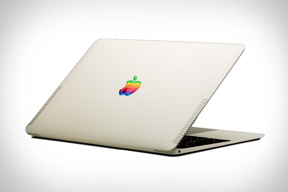 ColorWare's Stealth MacBook Pro