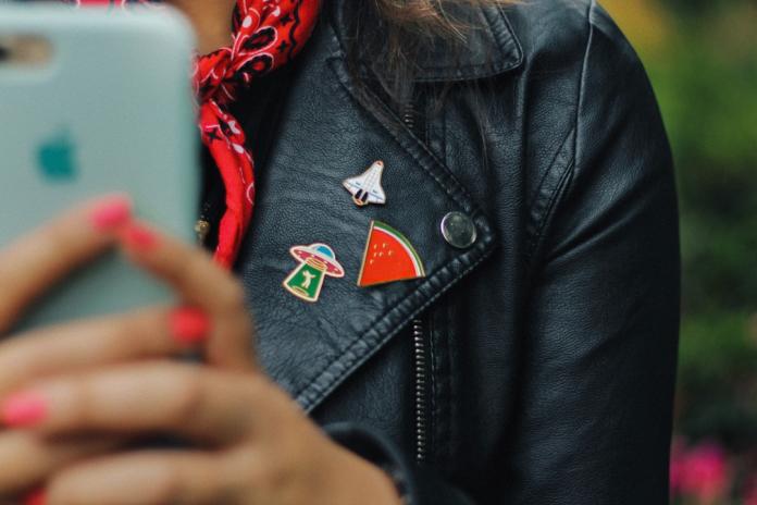 10 Fun Ideas for Lapel Pins